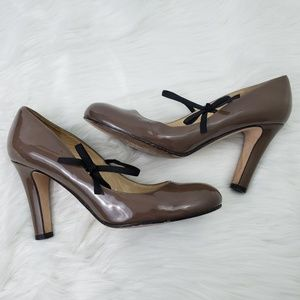 KATE SPADE sz 8B Brown Shoes Patent Leather Bow